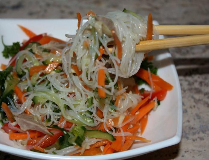 Фунчоза с морковкой по-корейски