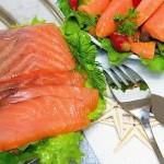 Красная рыба в винном соусе