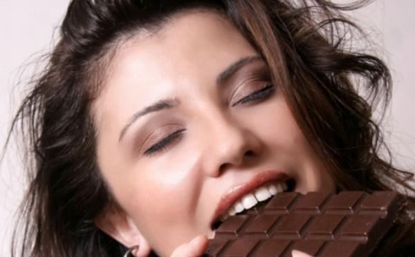 Как правильно есть шоколад
