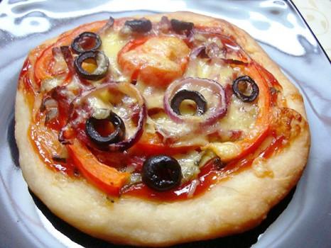мини-пицца из дрожжевого теста