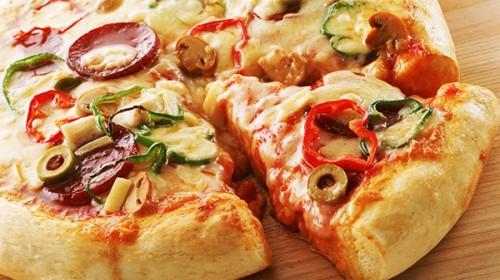 Пицца из пресного несладкого теста на соде
