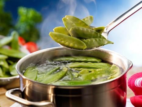 Диетологи не рекомендуют разваривать овощи