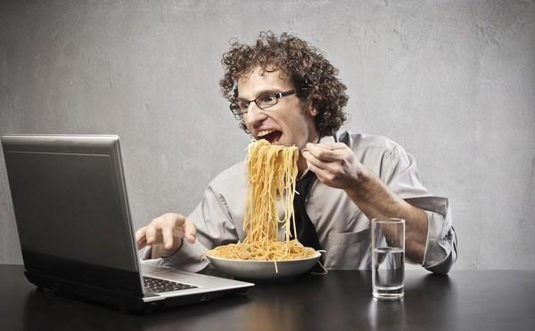 """""""Сидячая"""" работа и полноценное питание"""