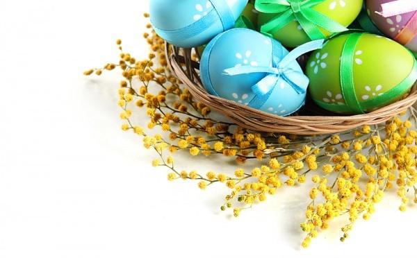 Обвязывание пасхальных яиц