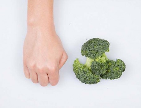 Порция овощей - сжатые кулаки