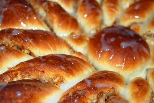 Сладкий пасхальный пирог с мёдом и орехами