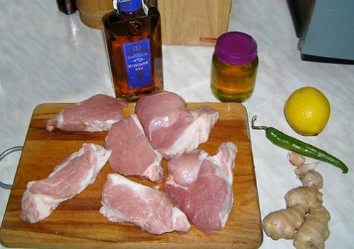 Мясо в имбирно-медовом соусе с коньяком