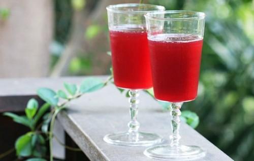 Напитки креплённые из смородины
